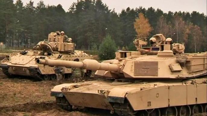 Латвия приветствует американские войска и танки, прибывшие на базу Адажи. Скриншот видео.
