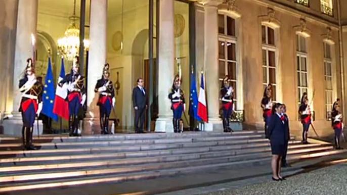 Пока что во время встречи лидеры двух стран договорились об обмене информацией о людях, пропавших без вести в зоне боевых действий. Скриншот видео.
