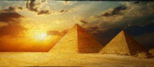 Great-pyramid-shutterstock_81828520-WEBONLY