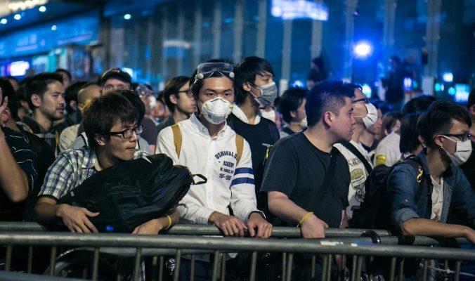 Суд Гонконга запретил протестующим блокировать улицы
