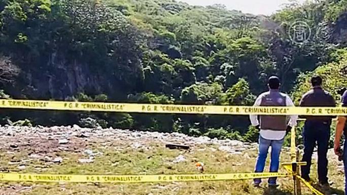 Новые массовые захоронения обнаружены в Мексике
