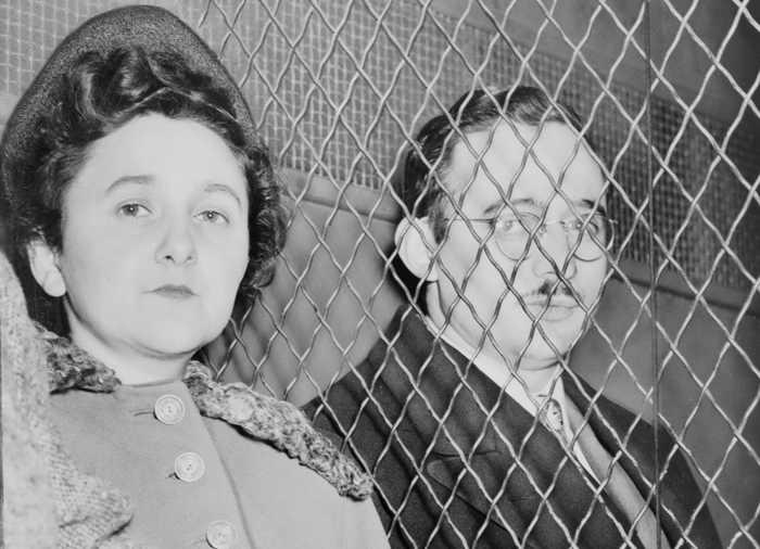 Юлиус и Этель Розенберг во время судебного процесса над ними. Фото: wikipedia.org