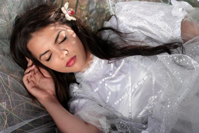 Как осознанные сновидения помогают в лечении психологических травм и изучении сна