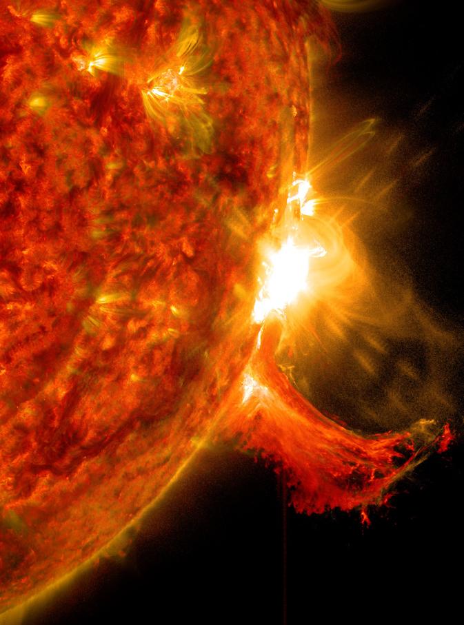 Вспышка на Солнце: Фото: NASA/SDO