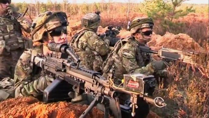 В маневрах задействованы более 2500 военных. Скриншот видео.