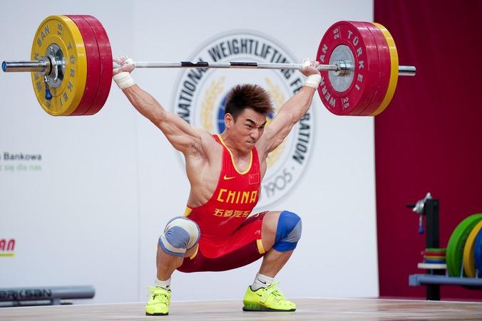 Китайский тяжелоатлет Ляо Хуэй. Фото: Adam Nurkiewicz / Getty Images