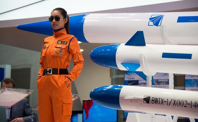 Международная авиационно-космическая выставка «Аэрошоу Чайна — 2014», Чжухай, Китай, 13 ноября, 2014 год. Фото: JOHANNES EISELE / AFP / Getty Images