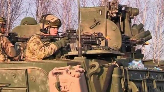 Сотни солдат из США были переброшены в регион после того, как в марте этого года Россия присоединила Крым. Скриншот видео.