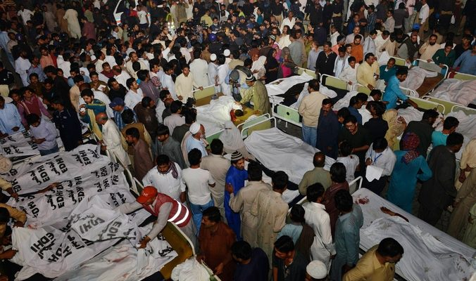 В Пакистане от теракта талибов погибли более 50 человек