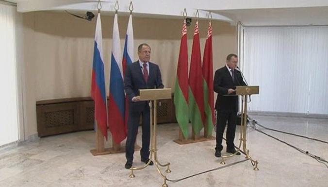 Правительство РФ не собирается умолять Запад отменить санкции, — Лавров