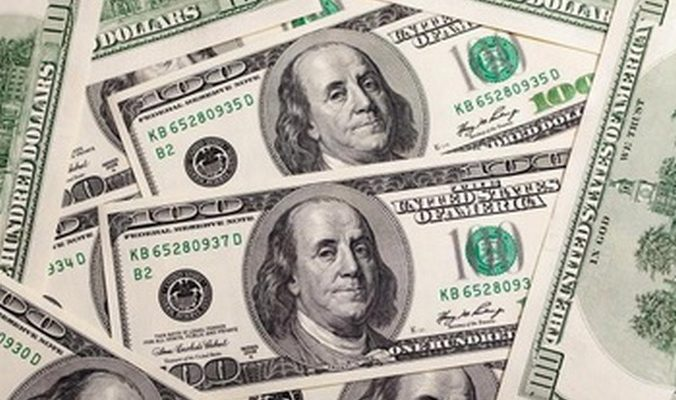 Вице-президент ВТБ24: Спрос на иностранную валюту вырос в три раза