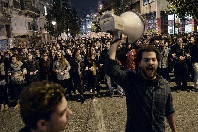 Акция протеста студентов против полицейского произвола в Афинах, Греция, 13 нября, 2014 год. Фото: LOUISA GOULIAMAKI/AFP/Getty Images