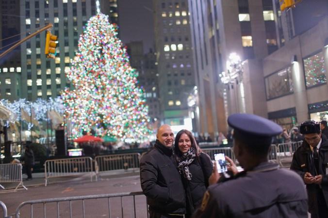 Новогодняя ёлка в Рокфеллерском центре, Нью-Йорк, 4 декабря, 2013 год. Фото: Jemal Countess/Getty Images