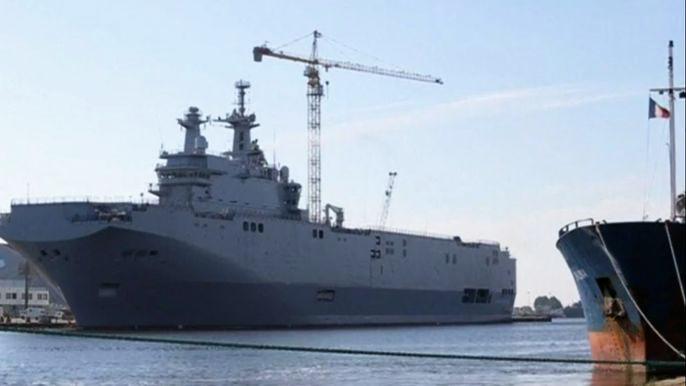 Москва заявила, что пока не будет предъявлять Парижу претензий из-за приостановки поставки кораблей. Скриншот видео.