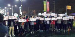 Тысячи жителей Шанхая протестуют против строительства завода
