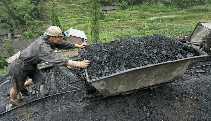 Угольная промышленность Китая несёт миллиардные убытки