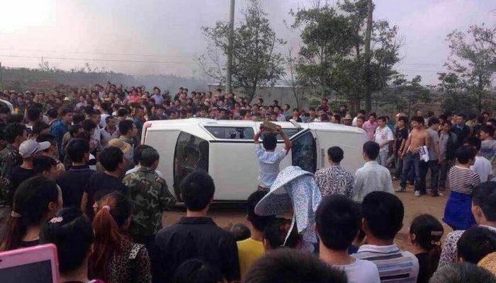 На юге Китая вспыхнул многотысячный протест