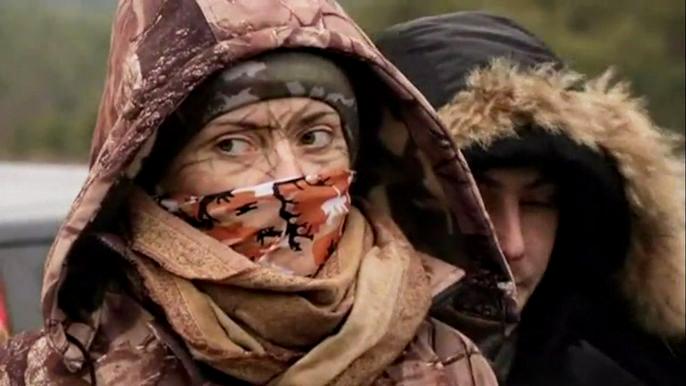 Такие учения проходят по всей Украине и не только здесь, на севере страны, но и в городах, граничащих с линией фронта: Днепропетровске, Мариуполе и других.  Скриншот видео.