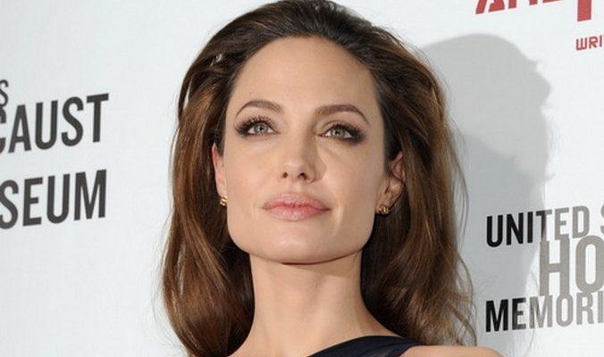 Анджелина Джоли в Лос-Анджелесе попала в ДТП