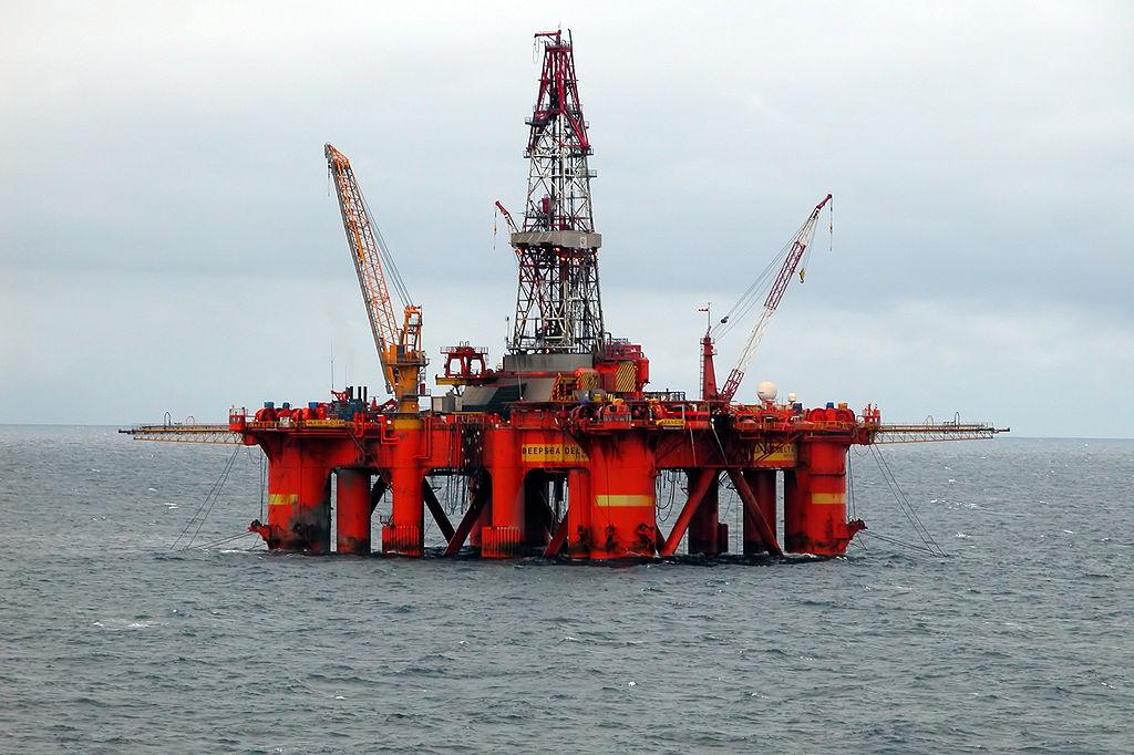 Буровая платформа в Баренцевом море. Фото: Erik Christensen/commons.wikimedia.org/CC BY-SA 3.0