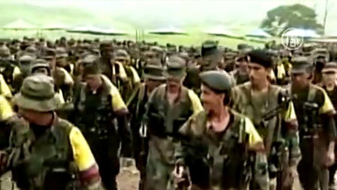 Леворадикальная группировка ФАРК, признанная США и Евросоюзом террористической организацией, ведёт войну с правительством Колумбии в течение 50 лет. Скриншот видео.