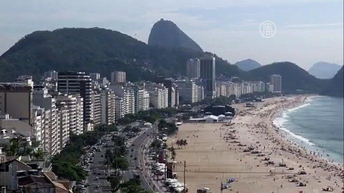 В Рио-де-Жанейро делают последние приготовления перед новогодними празднованиями (видео)
