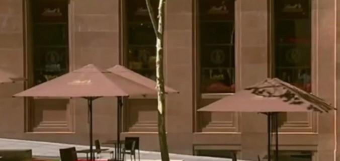В заложники в магазине Сиднея взято не менее 13 человек