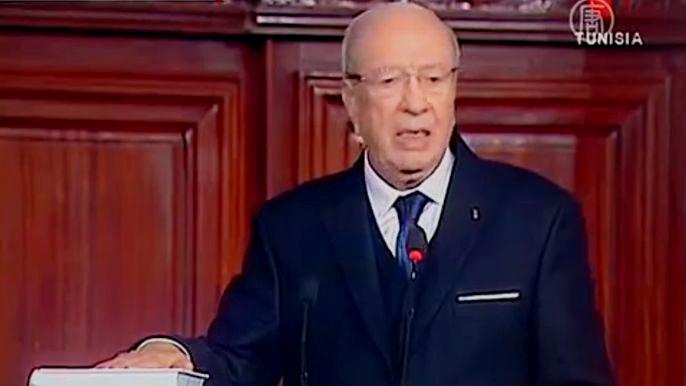 В Тунисе в последний день уходящего года состоялась инаугурация нового президента (видео)