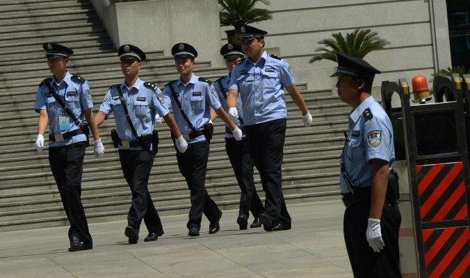 Адвоката последователя Фалуньгун в Китае выгнали из суда