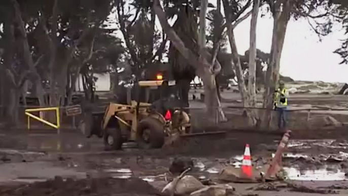 На Лос-Анджелес обрушился сильнейший ливень (видео)