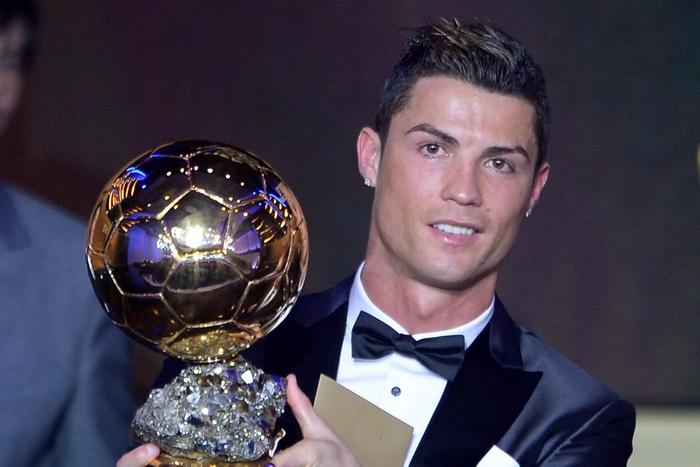 Обладателем «Золотого мяча» по итогам 2013 года стал лидер мадридского «Реала» и сборной Португалии Криштиану Роналду. Фото: FABRICE COFFRINI/AFP/Getty Images