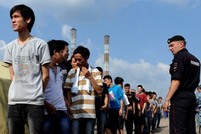 Безвизовые мигранты. Фото: VASILY MAXIMOV/AFP/Getty Image