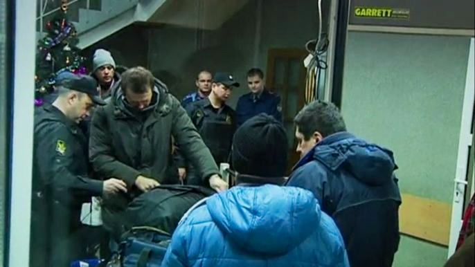Судья приговорила оппозиционера Алексея Навального к 3,5 года условно, а его брата Олега - к 3,5 года общего режима по обвинению в экономических преступлениях. Оба отрицают свою вину. Скриншот видео.