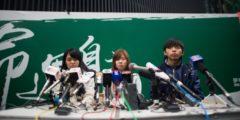 В Гонконге трое студентов прекратили голодовку