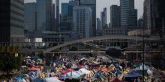 Власти Гонконга намерены окончательно избавиться от протестующих