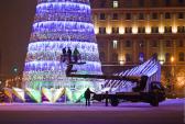 В Грозном установили самую высокую новогоднюю елку в стране