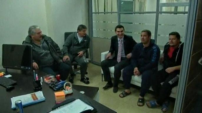 В Ливии освободили часть экипажа задержанного лайнера (видео)