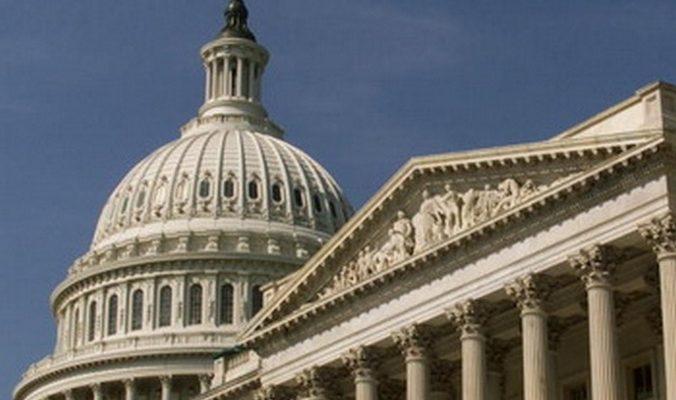 Сенат США принял законопроект об оказании Украине военной помощи