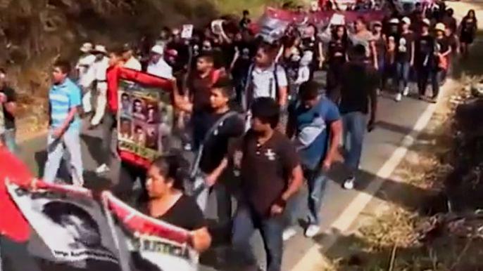 В Мексике произошло столкновение между полицией и работниками образования (видео)