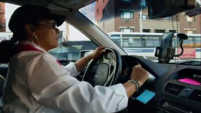 В Нью-Йорке появилось первое в США такси для женщин (видео)