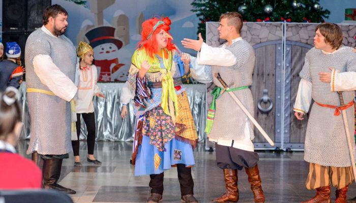 Зимняя резиденция Деда Мороза в Новороссийске встречает гостей