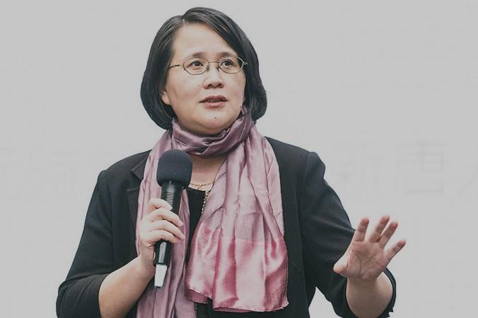 Го Цзюнь, директор гонконгского филиала «Великой Эпохи» (Epoch Times) выступает с речью на конференции в Тайване в ноябре 2014 года. Она сказала, что Epoch Times, как независимое средство массовой информации, стало единственным окном в реальный Китай. Фото: Chen Bo-Chou/Epoch Times