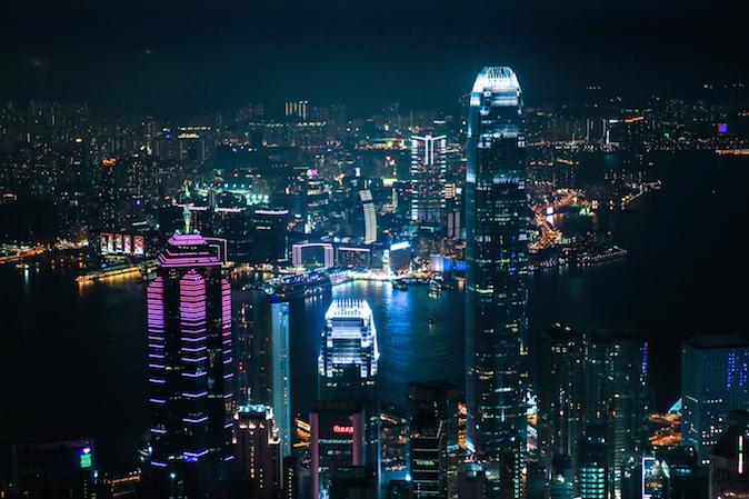 Ночной Гонконг 9 ноября 2014 года. Фото: Benjamin Chasteen/Epoch Times
