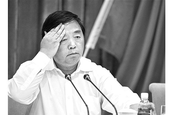 Цзи Цзянье, бывший мэр крупного китайского города Нанкин в провинции Цзянсу, был обвинён в получении взяток, как сообщила Верховная прокуратура 17 декабря 2014 года. Фото: скриншот/Beijing News