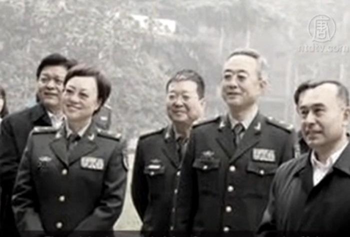 Генерал-майор Гао Сяоянь (слева) была арестована 27 ноября по обвинению в коррупции. Эксперты считают, что она участвовала в насильственном извлечении органов у живых людей. Фото: скриншот/NTD
