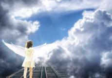 Душа покидает тело во время околосмертного опыта?