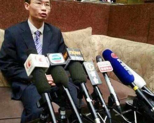 Китайские адвокаты требуют от властей перестать препятствовать их работе