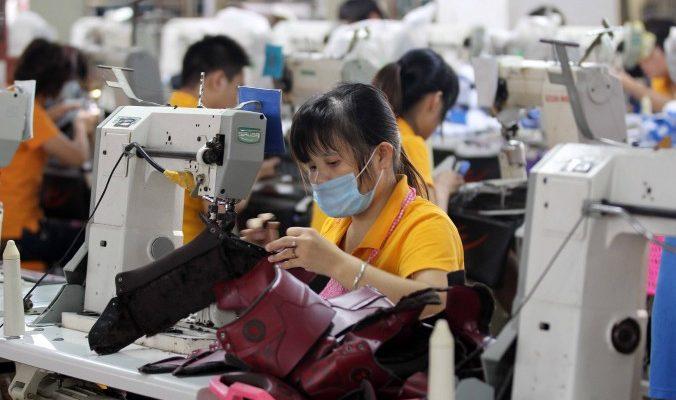 В Китае сокращается производство и растёт безработица