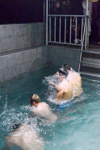 Крещенские купания прошли в Новороссийске. Фото: Андрей Михайловский/Великая Эпоха