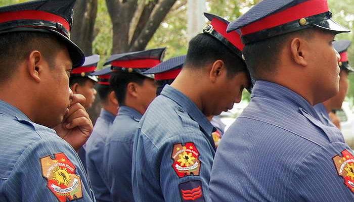 Полицейские Манилы оденут памперсы во время визита Папы Римского на Филиппины